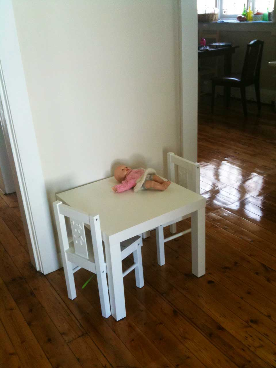 children's table and chairs big z