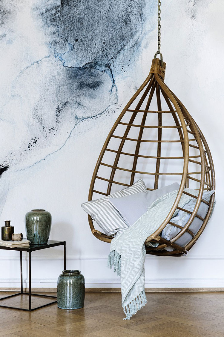 b and m egg chair