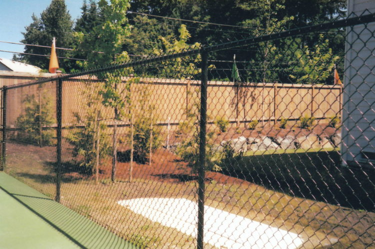chain link fence 90 degree elbow
