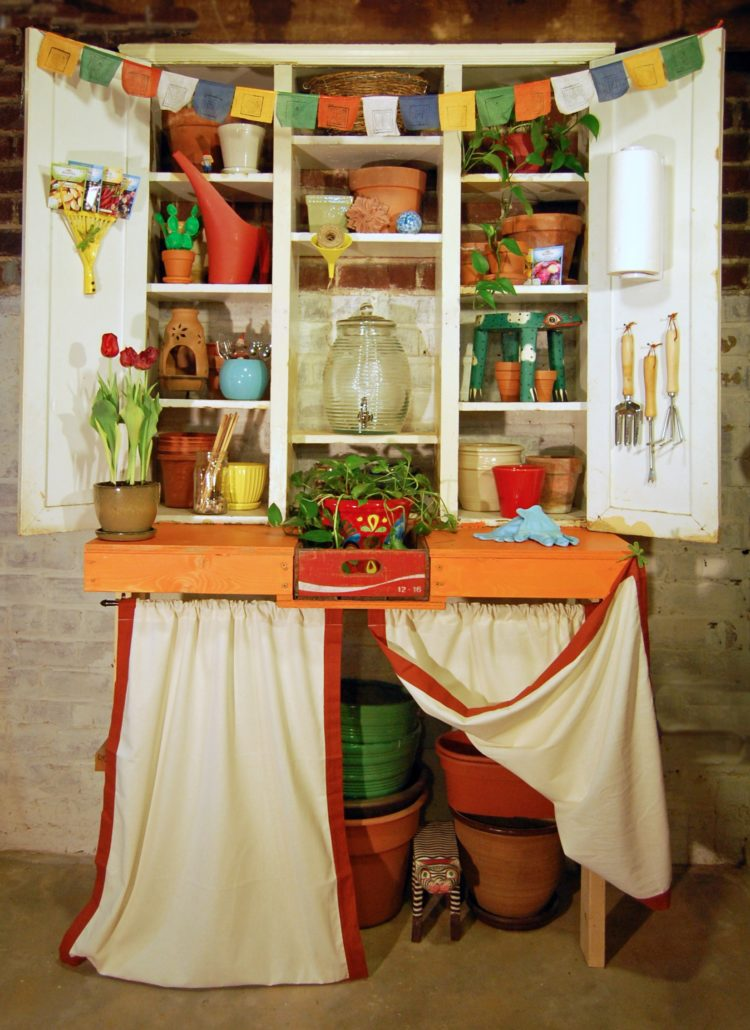 potting bench in store