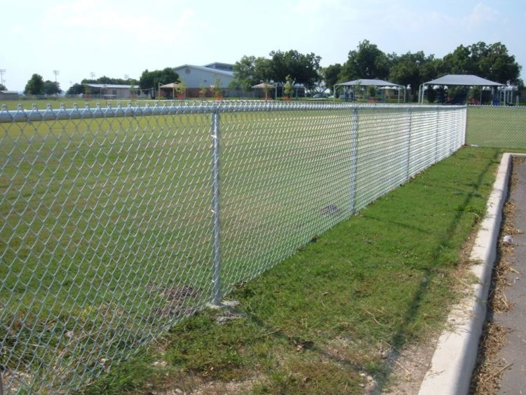 chain link fence materials