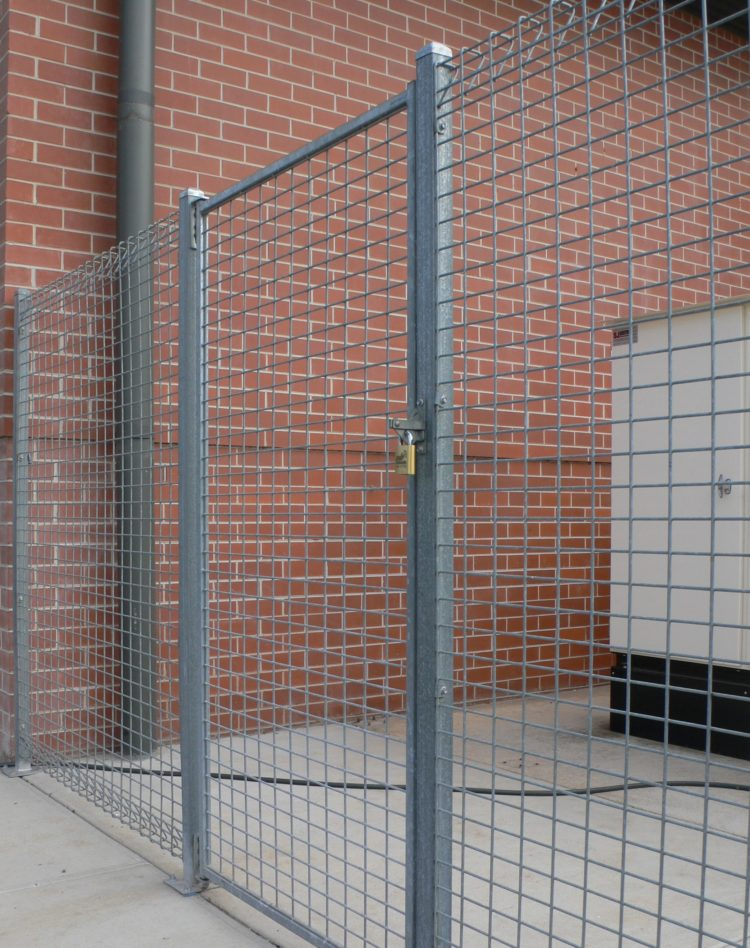 chain link fence no top rail