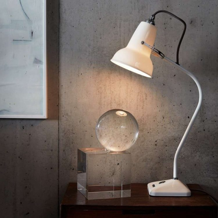 desk lamp for drawing
