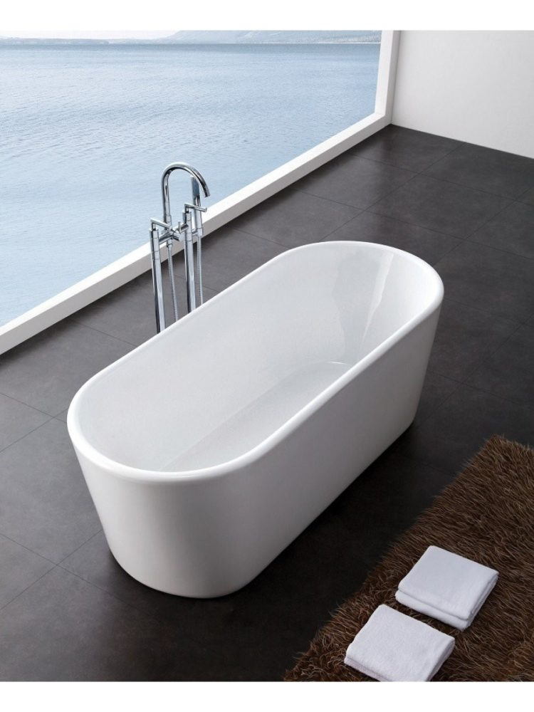 freestanding tub vs pedestal