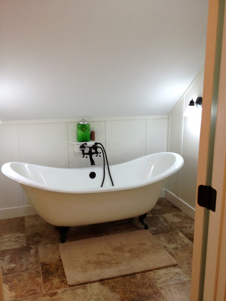 freestanding jetted tub with heater