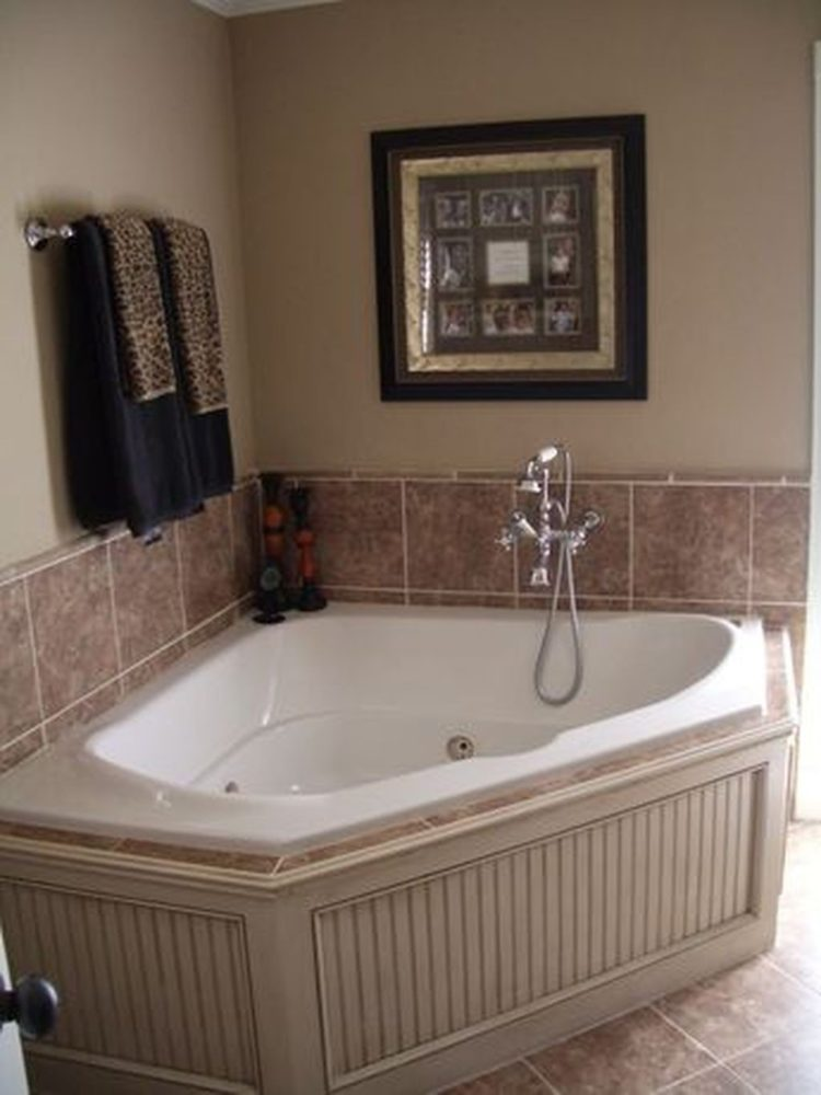 freestanding tub placement