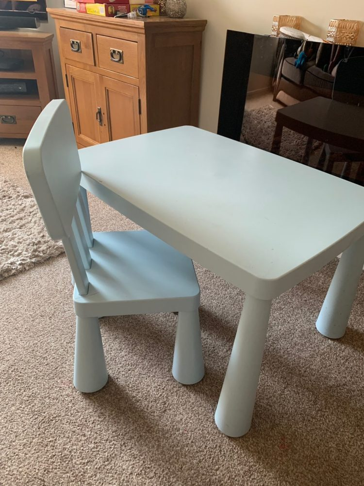 kids table and chairs 1
