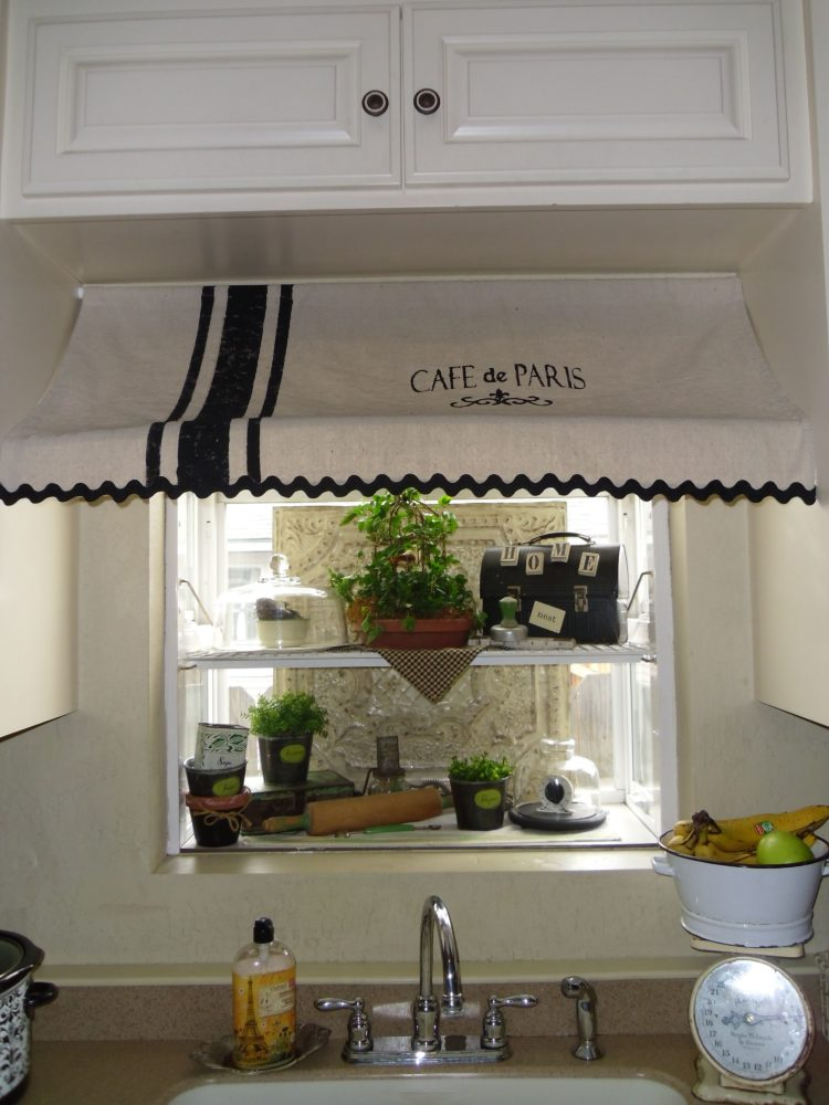 quirky kitchen curtains
