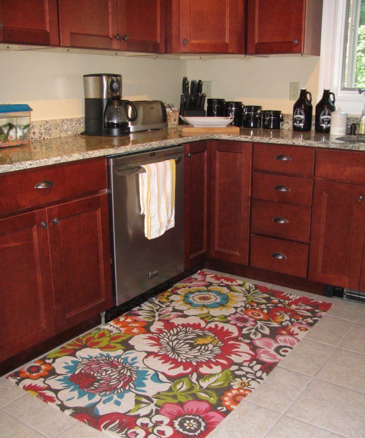 kitchen rugs for under table
