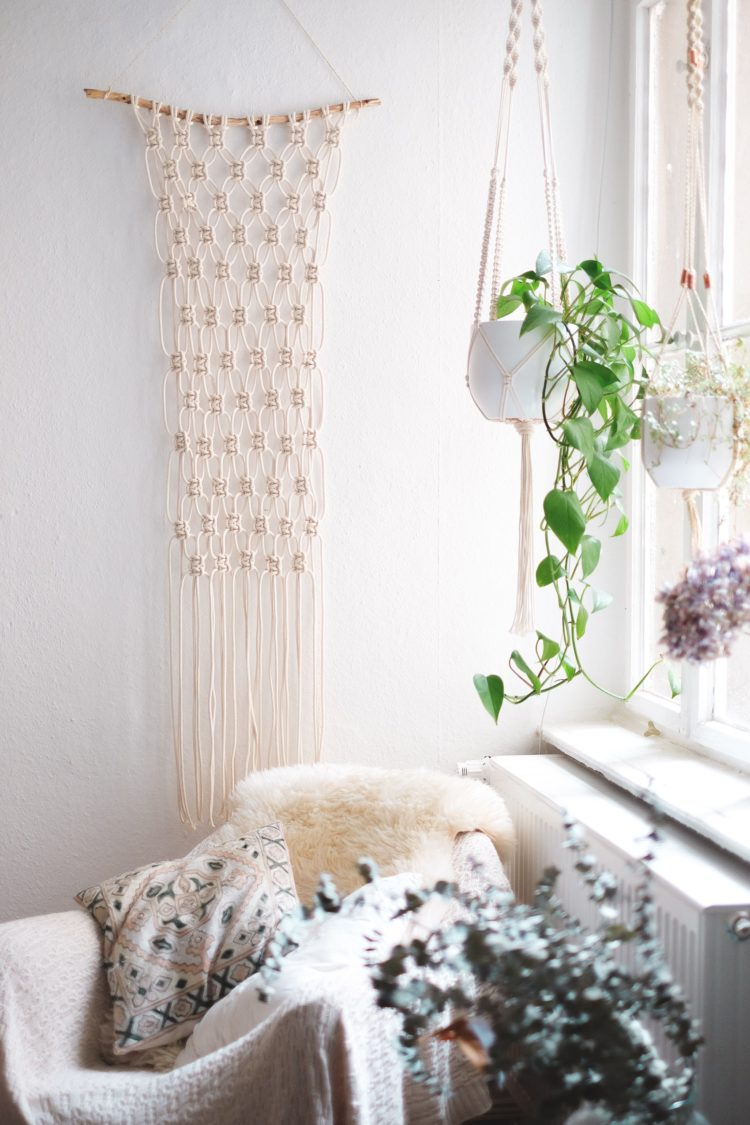 macrame wall hanging feathers