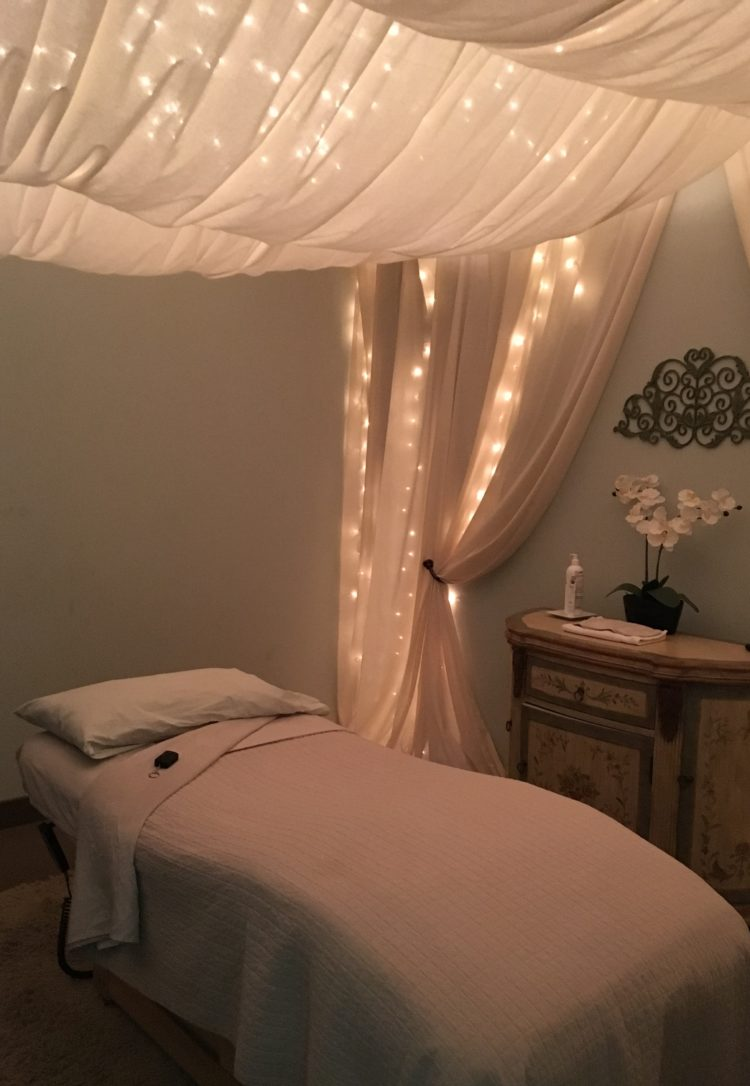 53 Excellent Massage Room Ideas Your Clients Will Love