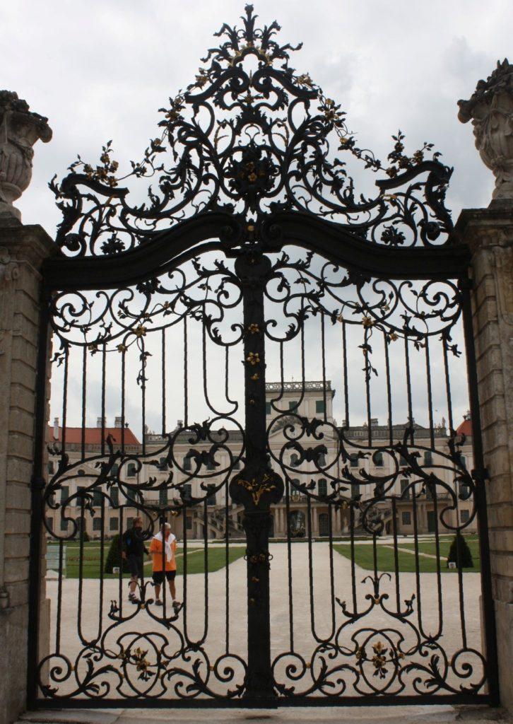 50 Elegant Ornamental Wrought Iron Fence Designs