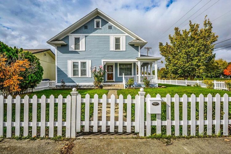 56 Picket Fence Styles Surely You Want To Copy