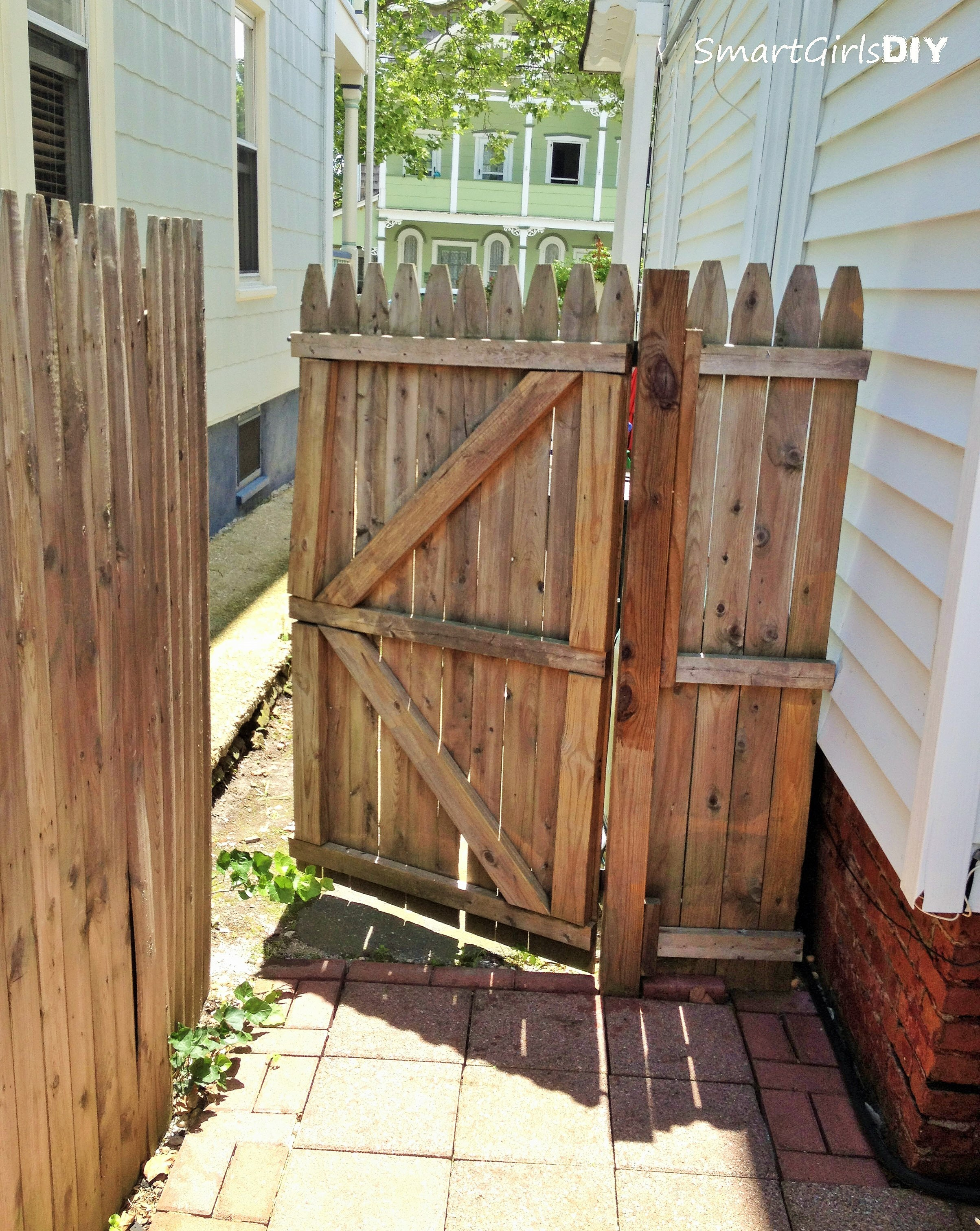 8 ft wide wood fence panels