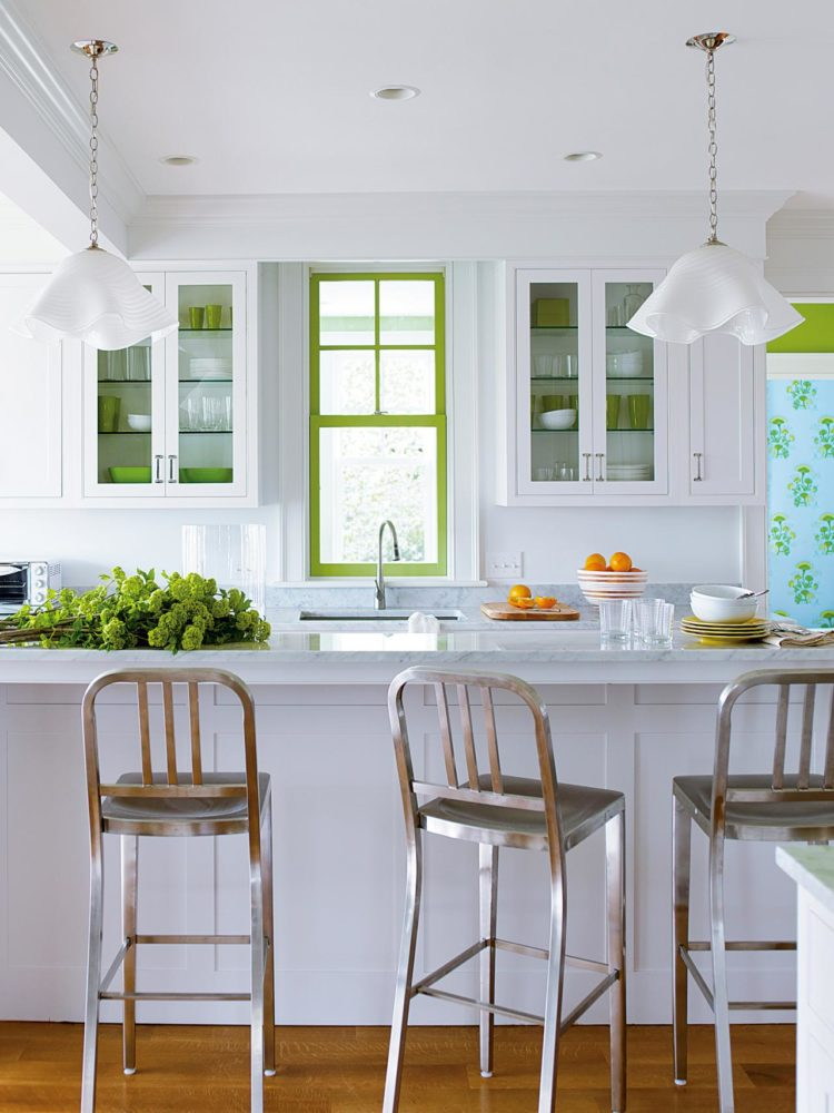 white kitchen cabinets out of style