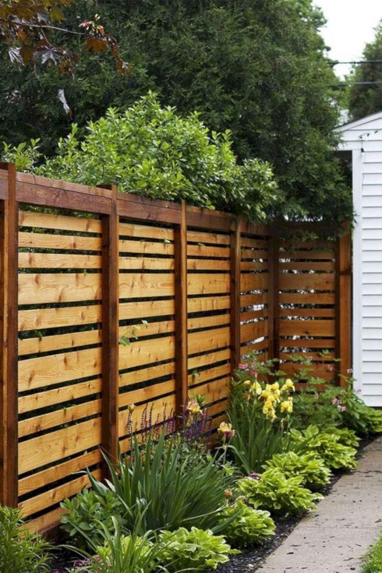 wood fence horizontal