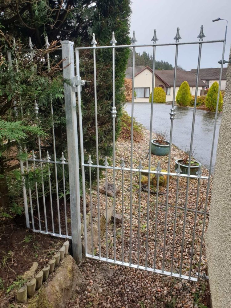 wrought iron fence contractors