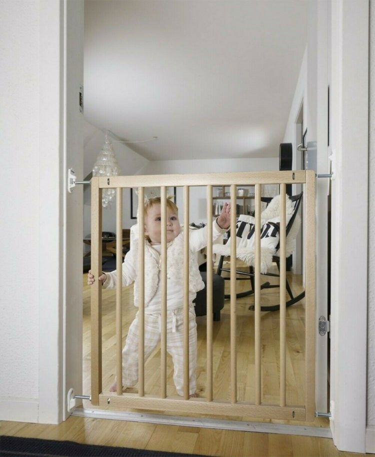 baby gate for cats