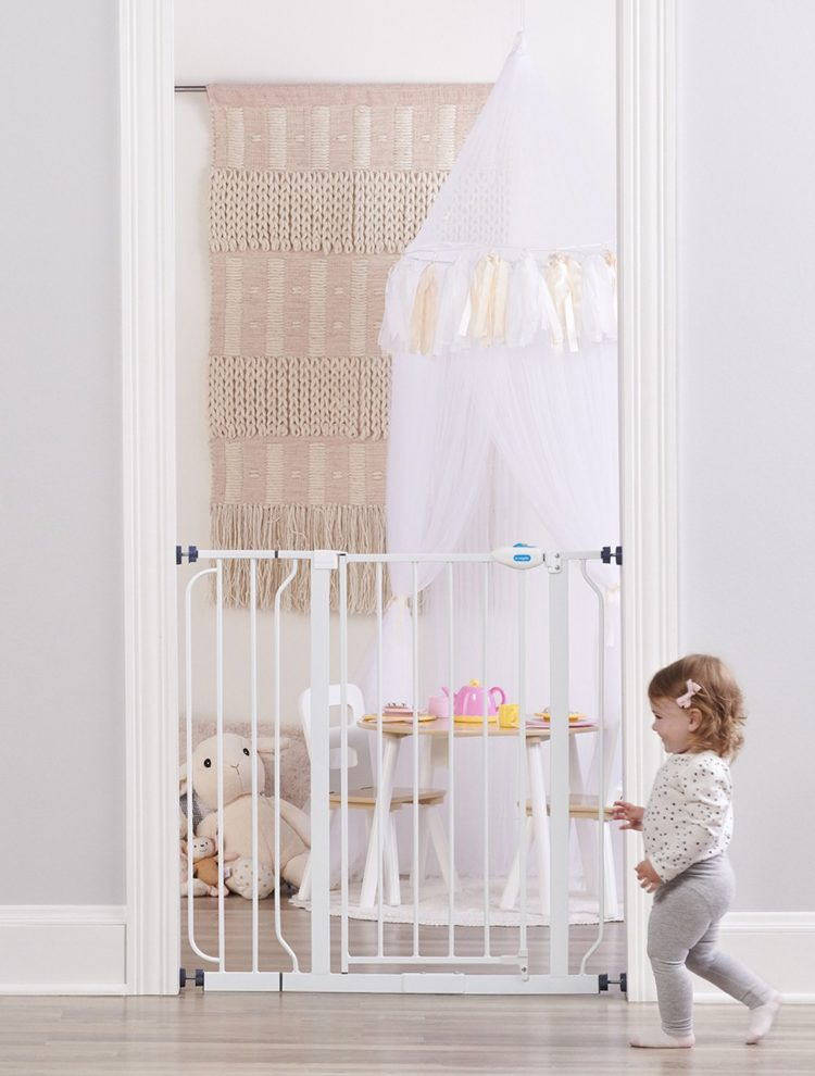 baby gate enclosure