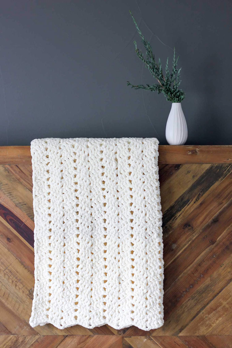 crochet blanket hook size