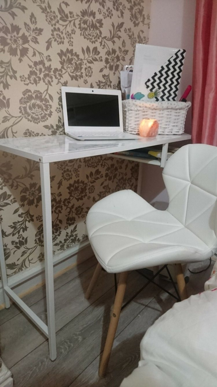 laptop table jeddah
