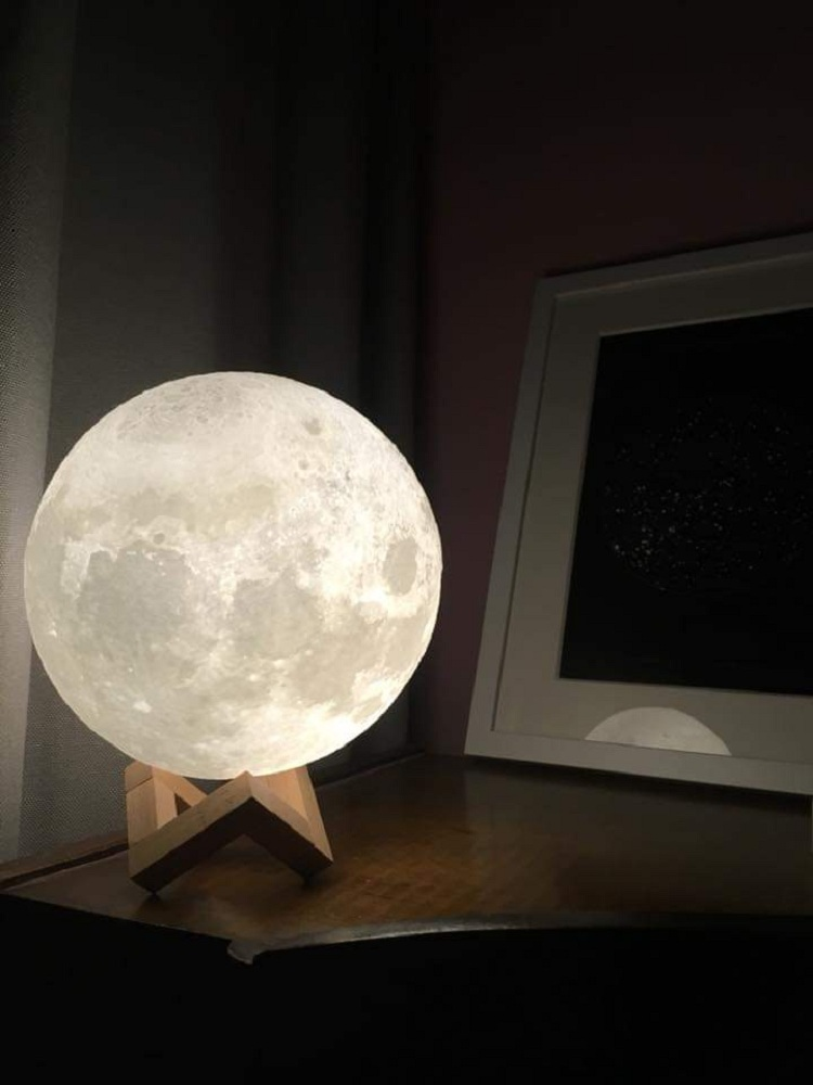 moon lamp not charging