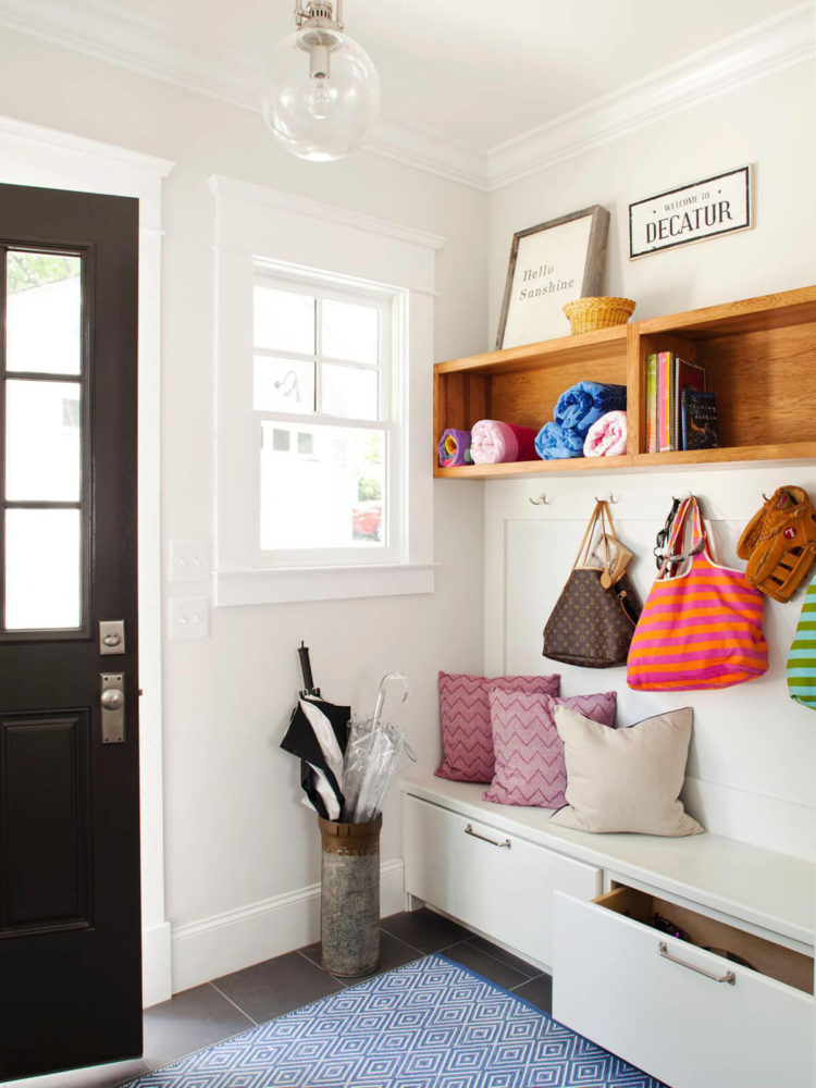 l shaped mudroom