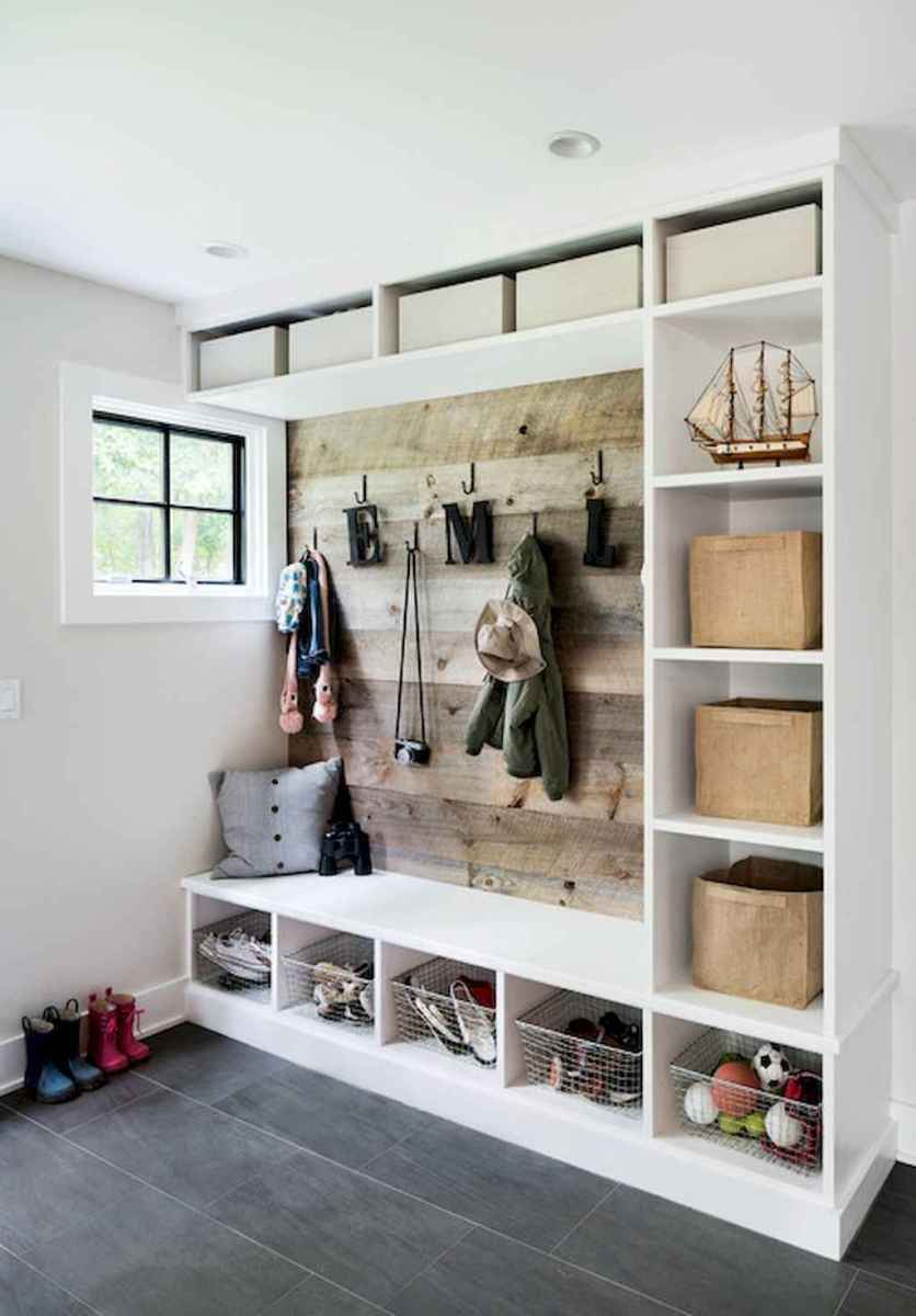 mudroom or mudroom