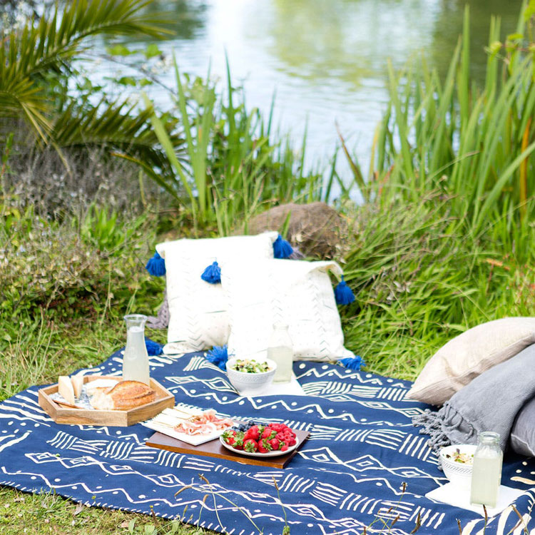 stow n go picnic blanket