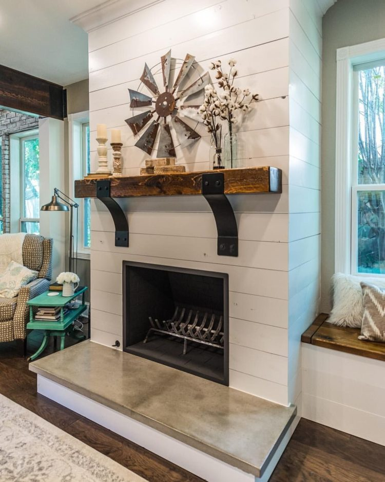 shiplap gas fireplace