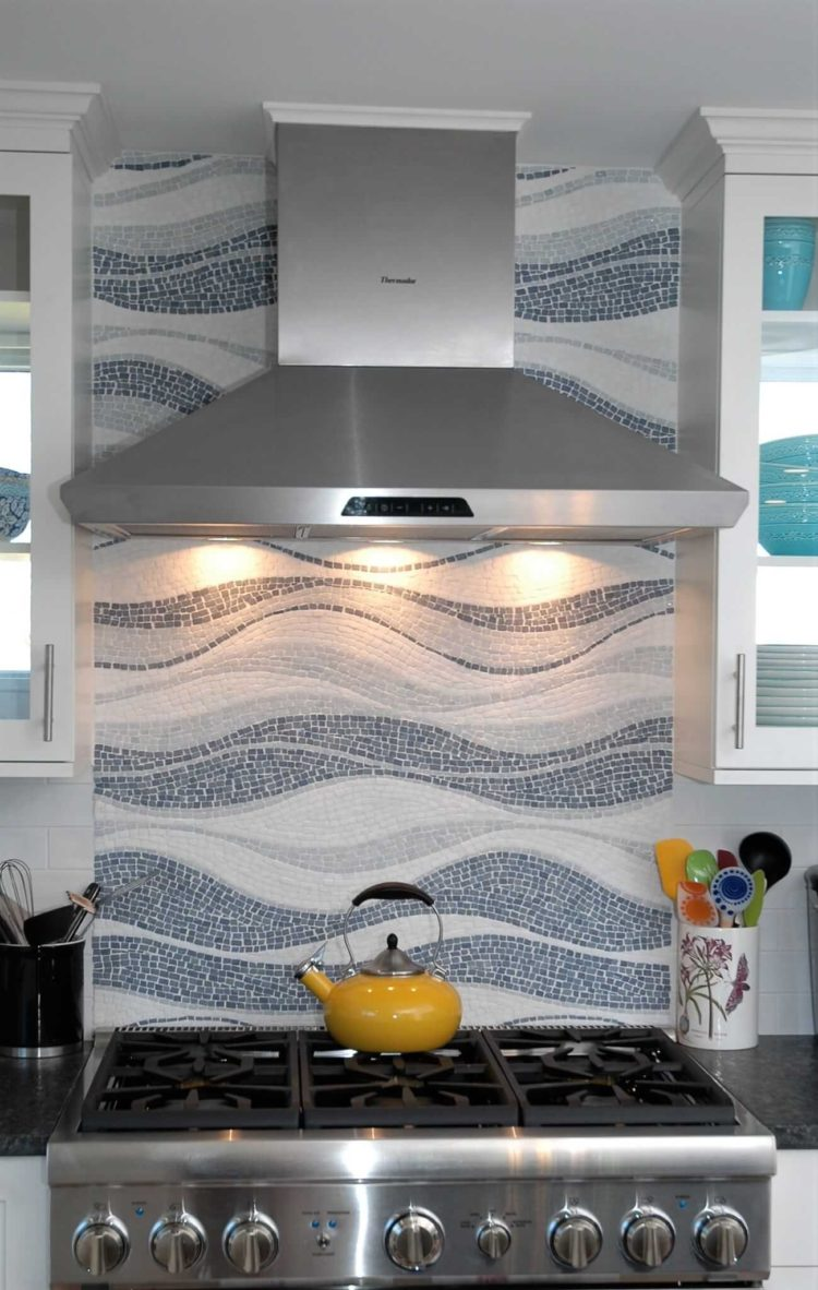 subway tile backsplash ideas with dark cabinets