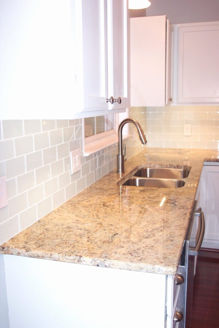 subway tile backsplash labor cost